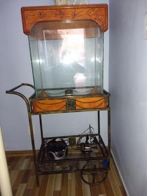 Vendo aquário com suporte p/ aquário