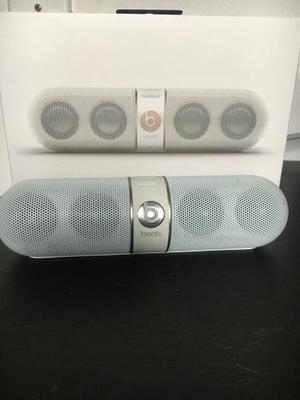 Caixa de som beats pill