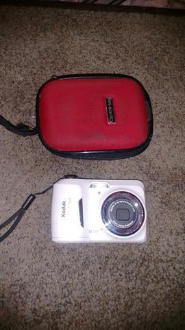 Máquina fotográfica digital da marca kodak