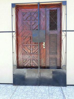 Porta trabalhada + grade