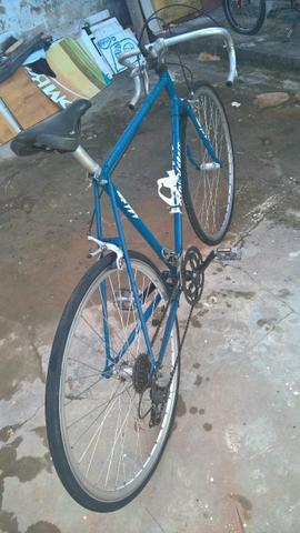 Bicicleta caloi 10, antiga em otimo estado (leia a