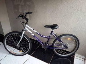 Bicicleta aro 24, bike feminina, em otimo estado