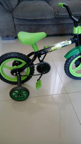Bicicleta infantil aro 12.só r$60.00 barato