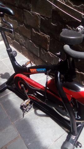 Bicicleta spinning life zone semi nova