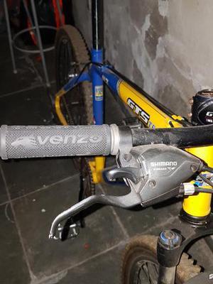 Bike gts muito conservada preço negociável