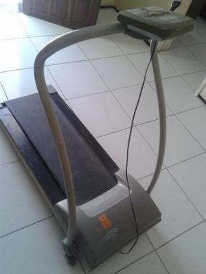 Esteira elétrica athletica runner usada