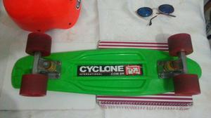 Skate mini long com capacete cyclone