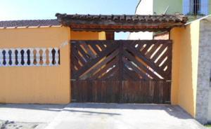 Casa com dois dormitórios gemianda em mongaguá