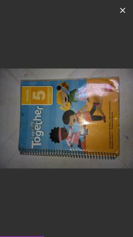 Livro learning together 5° ano