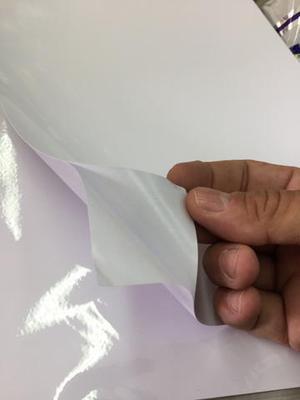 Papel foto adesivo