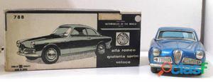 Carrinho Bandai para colecionadores Raridade Alfa Romeu Giulietta Sprint Veloce.