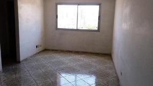 Apartamento de dois dormitórios com vaga para locação,