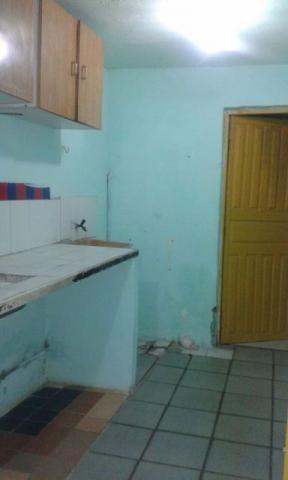 Apto c/ 1 quarto sala/cozinha/ area de servico/banheiro/area