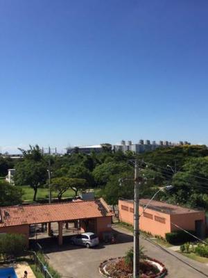Apto mobiliado condomínio fechado bairro humaitá