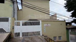 Casa cond fechado, 2 quartos 3 banheiros 2 vagas, 400m do