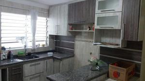 Casa com 2 dormitórios 1 suíte, móveis planejados -bairro