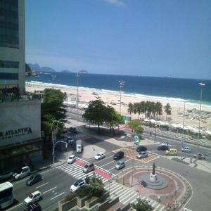 Apartamento melhor ponto de copacabana com vista para mar