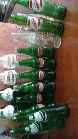 Antigas garrafas de refrigerante