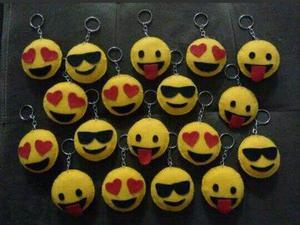 Chaveiros emojis em feltro diversos modelos