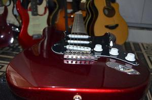 Guitarra fender chinesa (. queima de estoque)