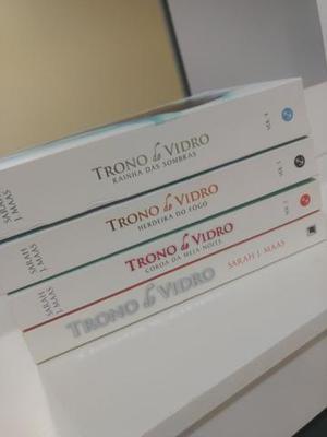Livros - Trono de vidro