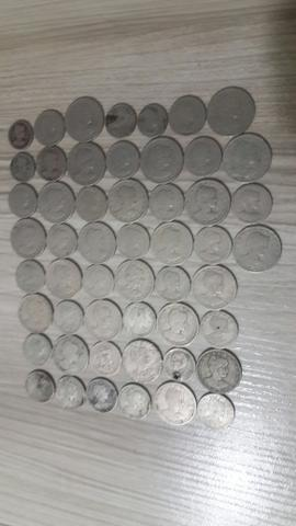Lote com 52 moedas de réis