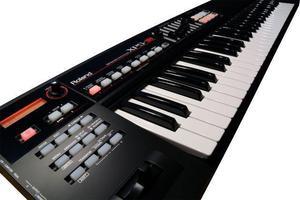 Sintetizador roland xps-10 61 teclas c/ fonte