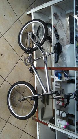 Bicicleta aro 20 cromada