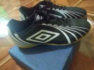 45bf1e51c6c47 Futsal umbro   OFERTAS Abril