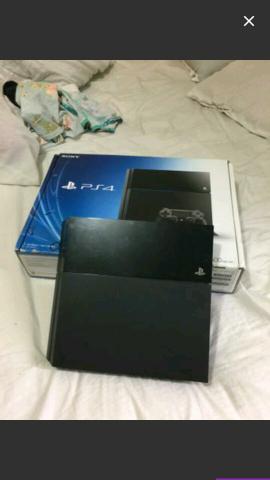 Playstation play 4 com caixa