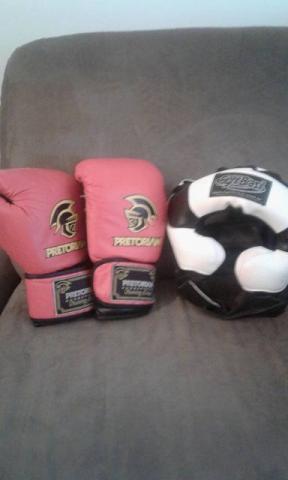 Luva de boxe da marca pretorian e capacete para proteção