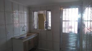 1 dormitórios, sala, cozinha, e banheiro e área de
