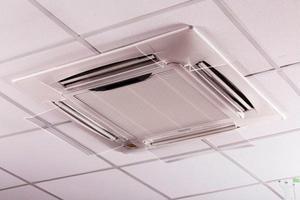 Instalação defletor para ar condicionado em acrílico