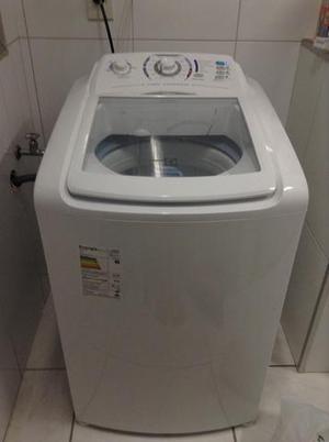 Maquina de lavar roupas semi nova comprada em março de 2017