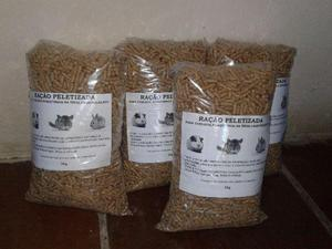 Ração 1kg 8,00 cada pacote p/ coelho porquinho da india