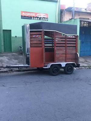 Reboque para transporte de cavalos