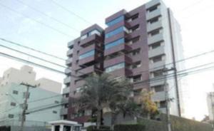 Excelente apartamento, amplo, seguro e bem localizado