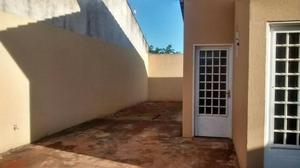 Alugo - Casa no Village Santa Rita