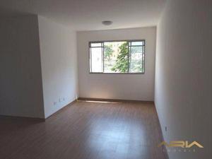 Apartamento no edifício residencial do lago i - r