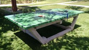Mesa de ping pong em concreto