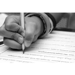 Gramática, redação e revisão de textos