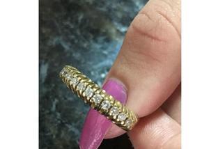Meia aliança ouro 4,45 gr ouro 18k 12 diamantes nova linda.