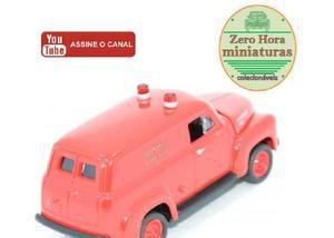Miniatura johnny lightning 1950 chevy dept bombeiro 164