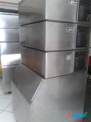 Vendemos máquinas de gelo cubo everest