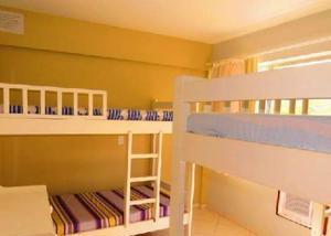 Bombinhas 3 dormitórios com ar, para 10 pessoas, centro