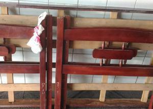 Beliche de madeira de lei (peroba rosa) sem colchões