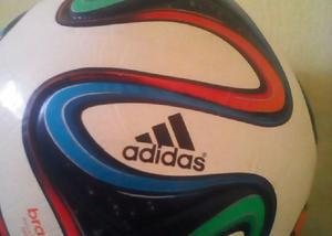 Bola brazuca adidas réplica copa 2014 nunca usada 4e409202377de