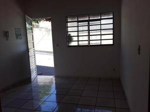 Casa em residencial bairro santa helena