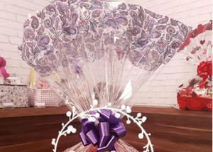 Cesta de chocolates com almofada de coração love
