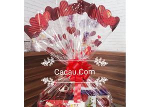 Cesta de chocolates com ursinho de pelúcia
